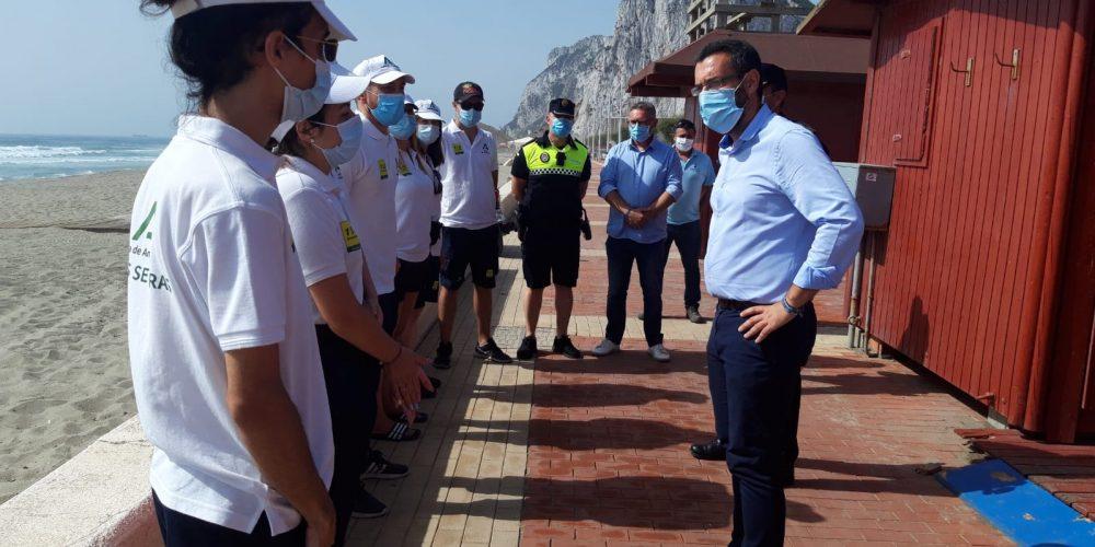 El Ayuntamiento prevé incorporar 23 personas para la ejecución de los servicios de salvamento, asistencia y transporte sanitario en playas