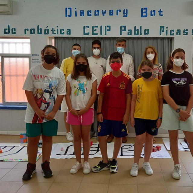 Sebastián Hidalgo ha visitado esta mañana un Taller de Robótica organizado en el colegio Picasso, dependiente del programa Profundiza de la Junta